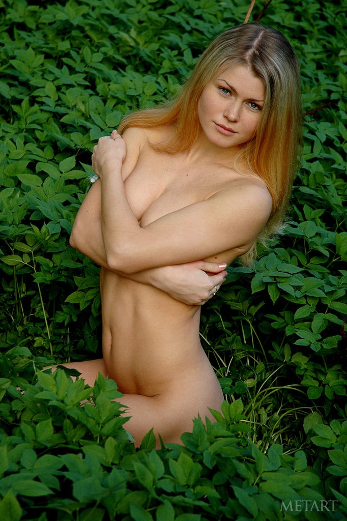 All Met art beautiful blondes outdoors right!
