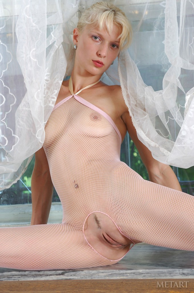 Hot ballet dancer revealing her body