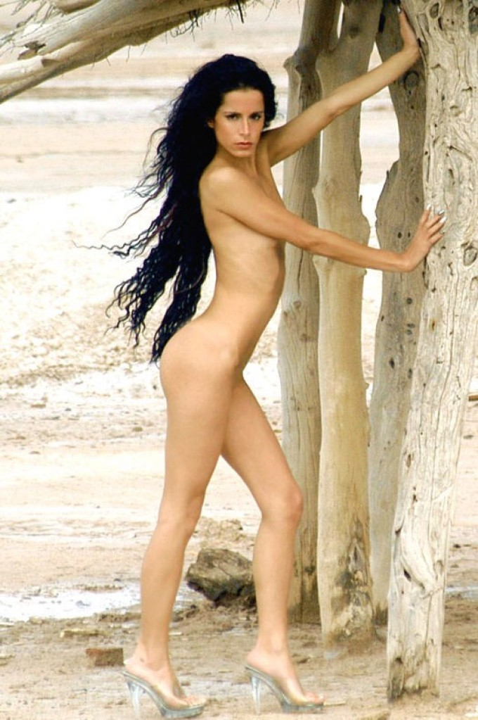 Outdoor posing with a dark-haired model