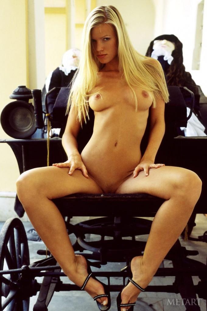 Astonishing blondie in sexy high heels