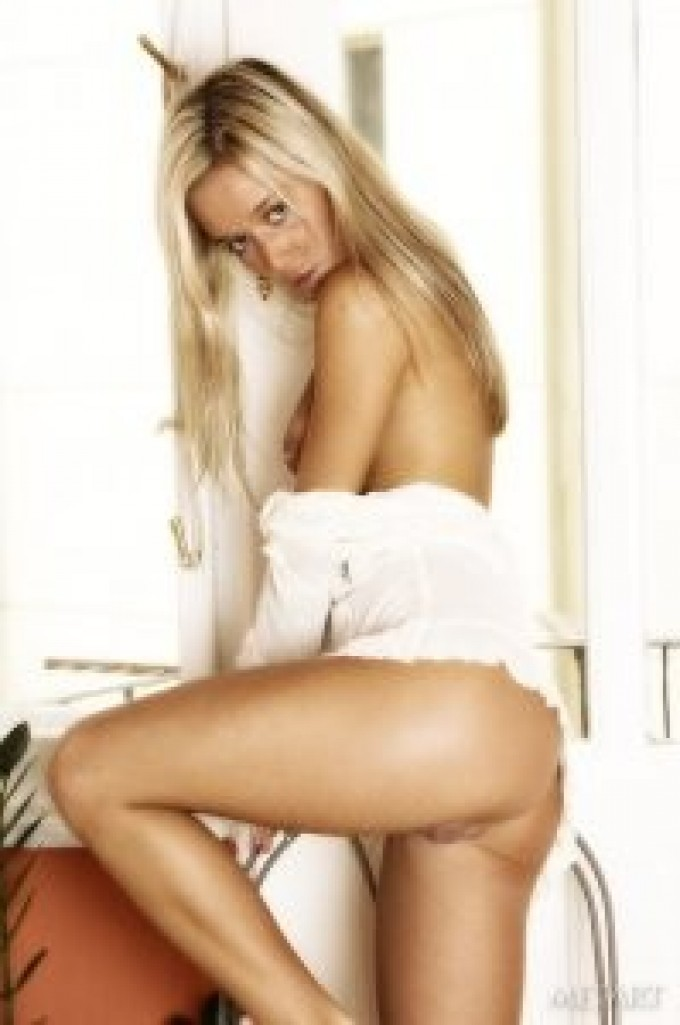 Incredible blonde getting undressed