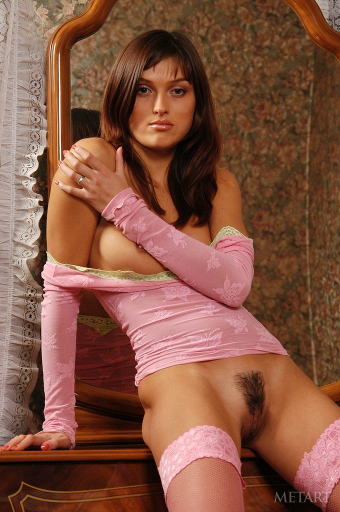 Hairy pussy of a marvelous brunette