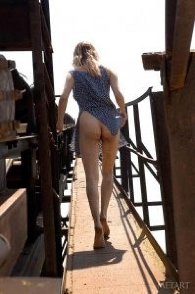 Brunette girl showing off her ass