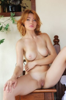 Ginger honey removes her corset