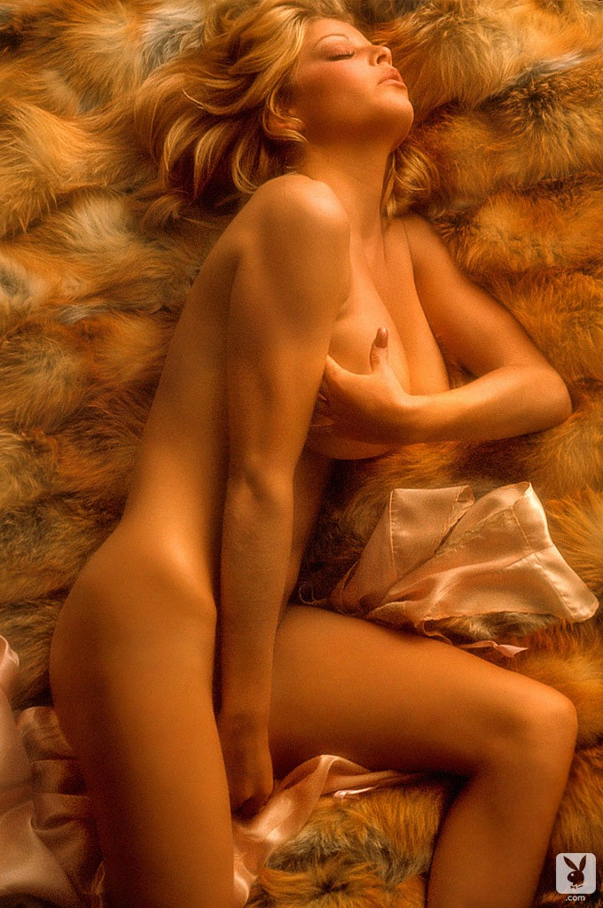 amateur blonde chick
