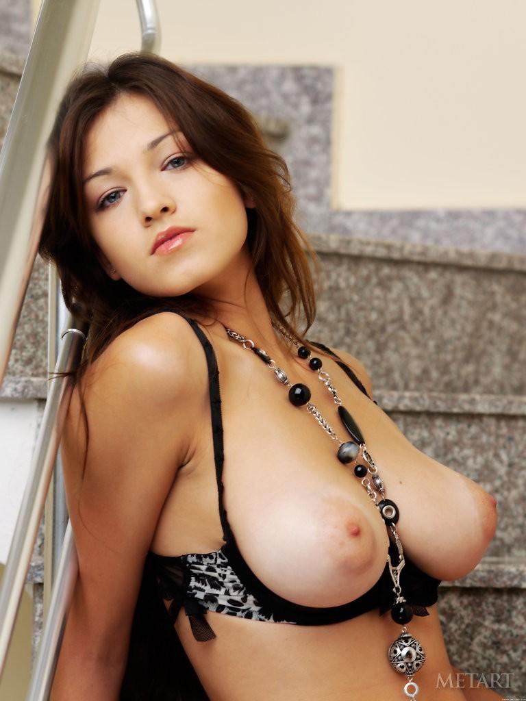 hot naked babes muddy